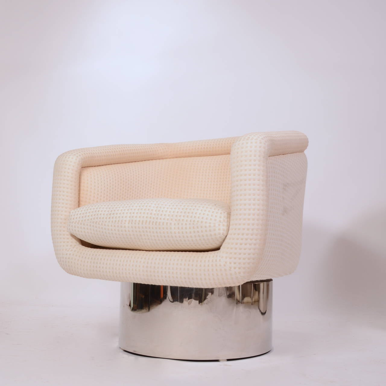 swivel chair leons metal rocking chairs pair of barrel by leon rosen for pace