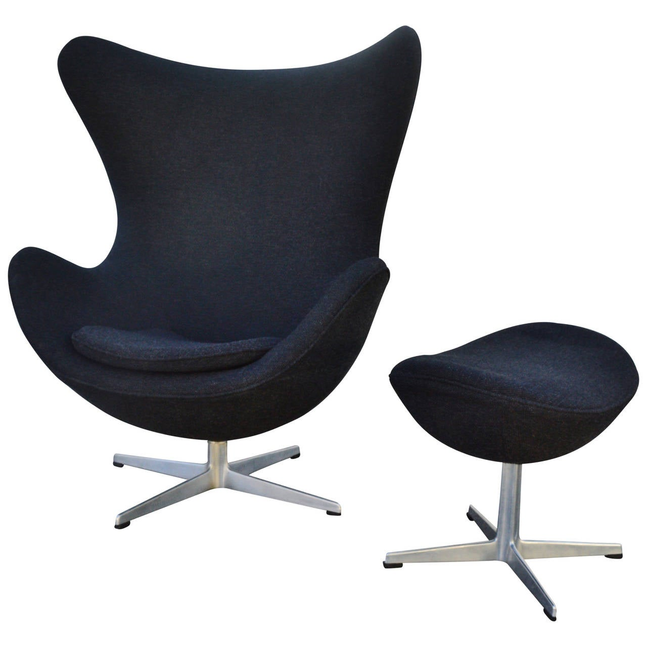 Egg Chairs Iconic Arne Jacobsen For Fritz Hansen Egg Chair And