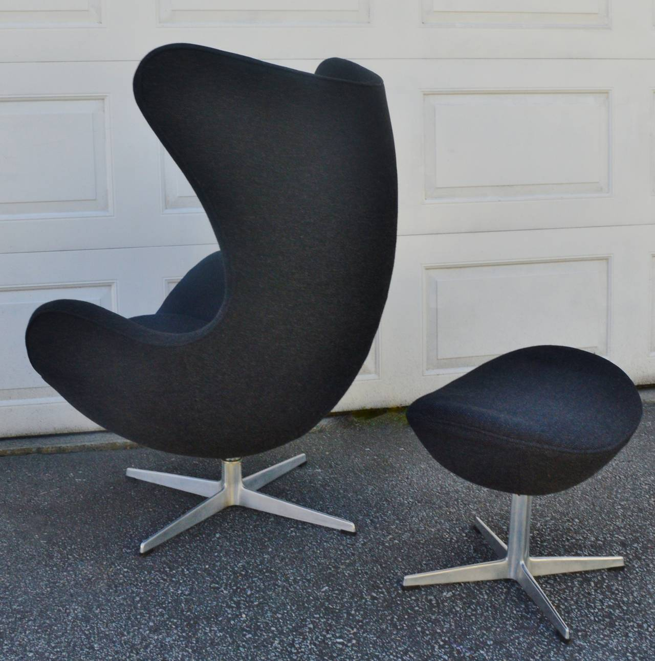 arne jacobsen egg chair wingback accent iconic for fritz hansen and
