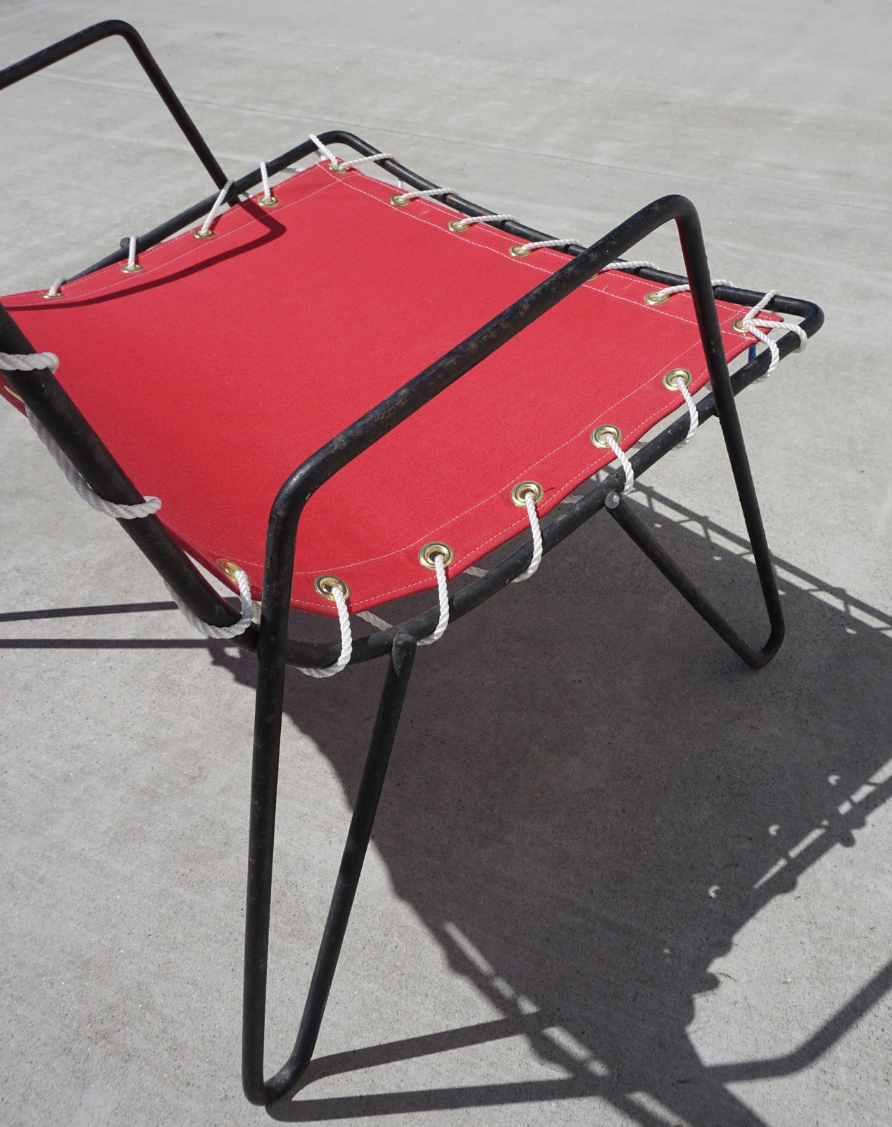 Canvas Sling Chair 1950s Iron And Canvas Outdoor Sling Chairs At 1stdibs