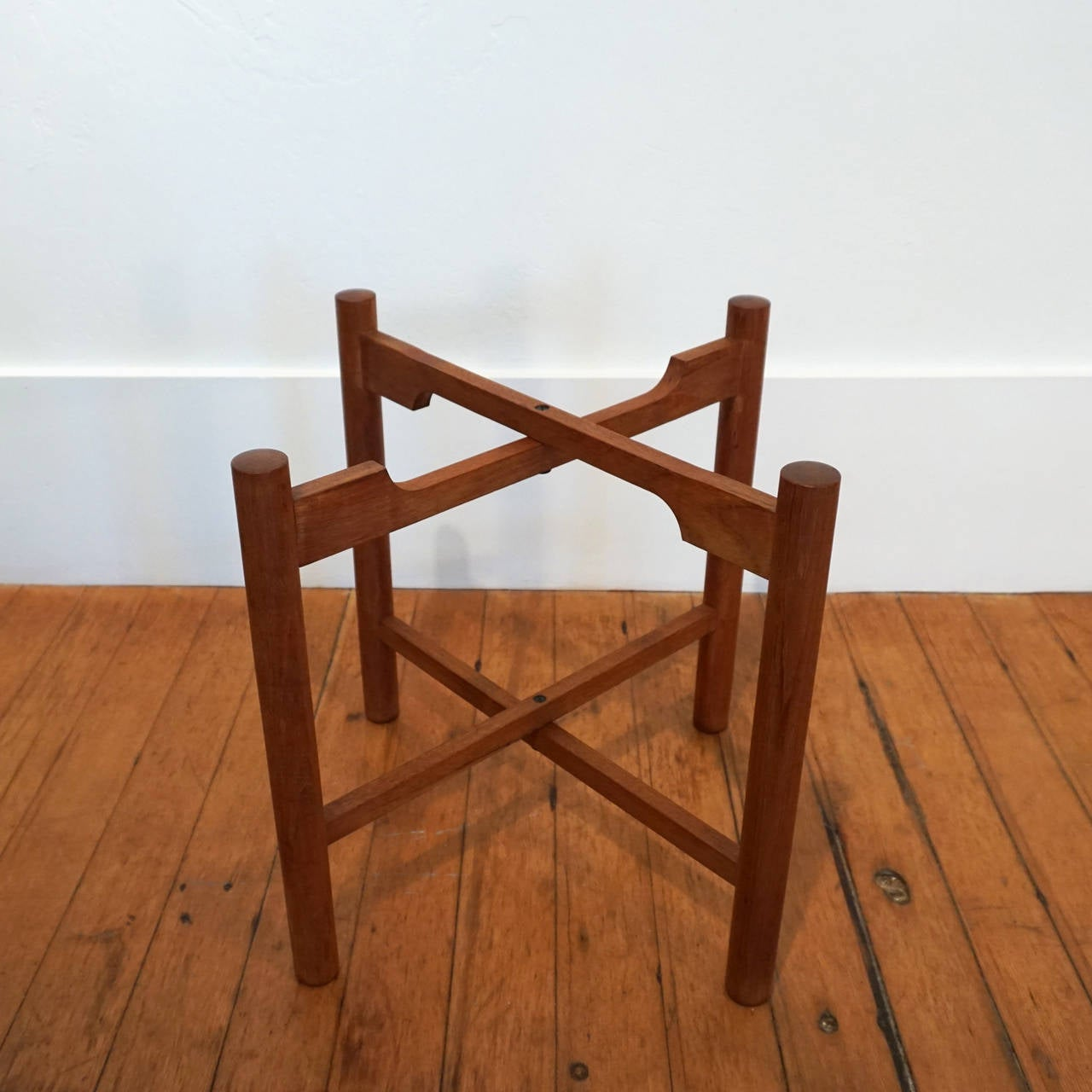folding japanese chair scoop back dining with knocker side table by kathuo mathumura for