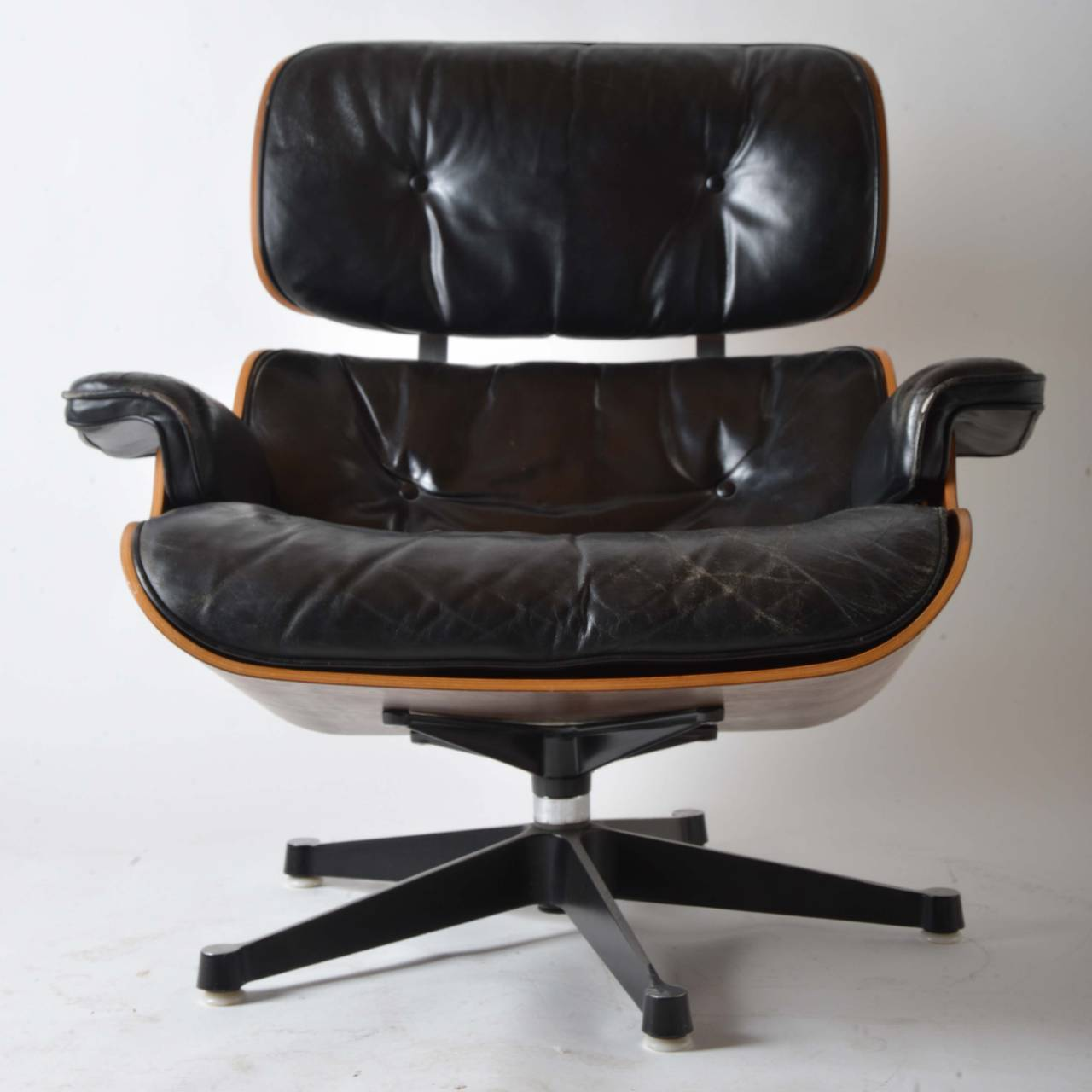eames lounge chair for sale home depot folding chairs iconic herman miller at