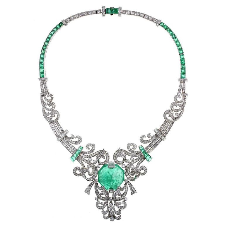 1920s Art Deco French Emerald Diamond Platinum Necklace at
