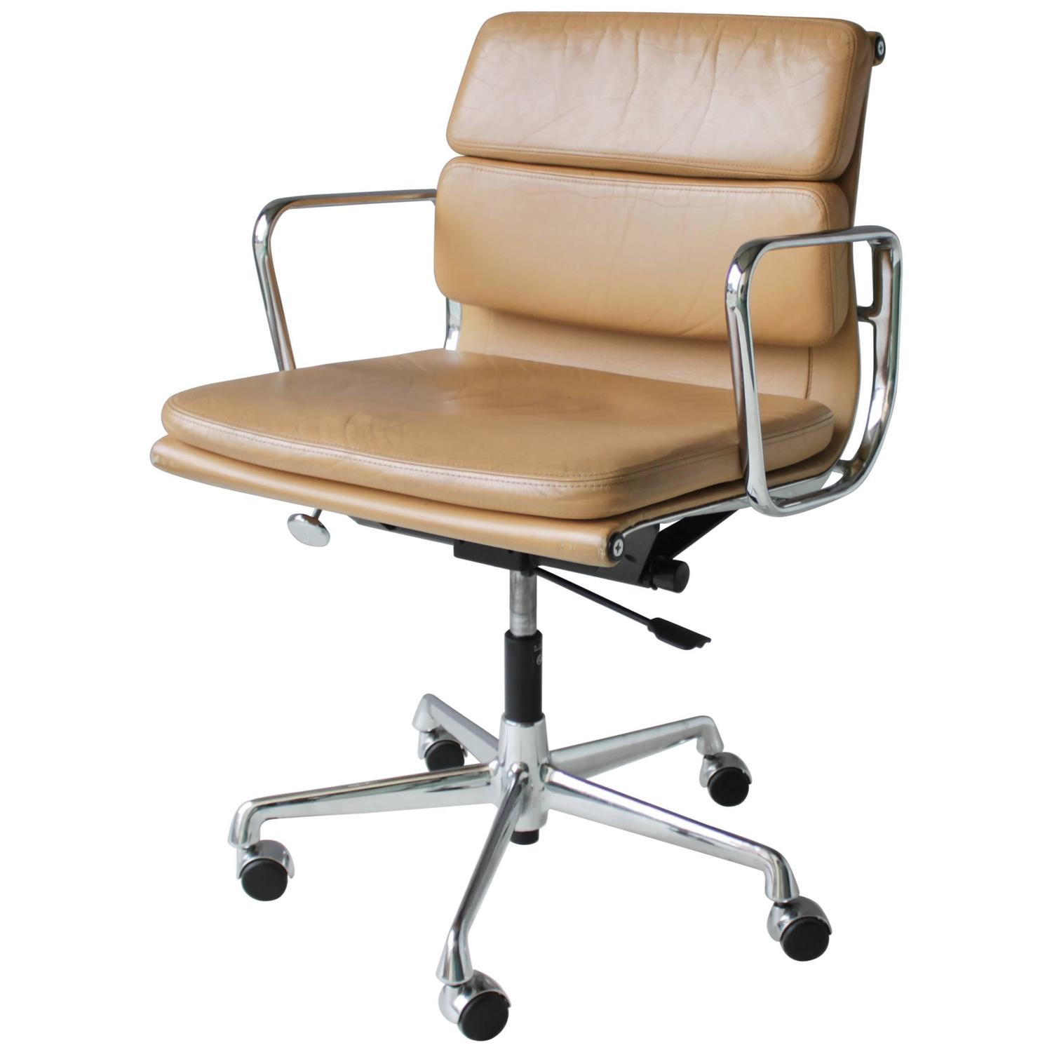 Eames Desk Chair Eames Ea 217 Soft Pad Chair At 1stdibs