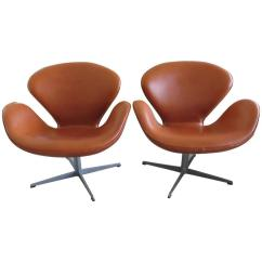 Arne Jacobsen Swan Chair Indoor Chaise Lounge Chairs Pair Of Vintage Fritz Hansen At 1stdibs For Sale