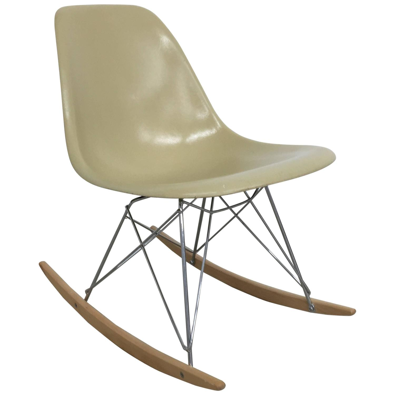 eames rocking chair hanging pier one canada side shell for sale at 1stdibs