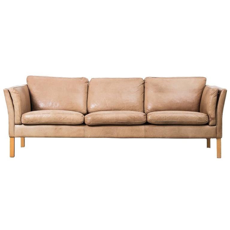 borge mogensen sofa model 2209 hanging design 1960s erik jørgensen danish tan leather at 1stdibs