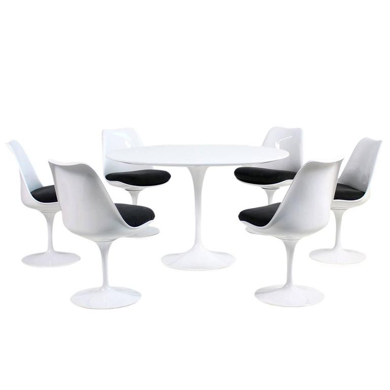 tulip table and chairs real leather office chair 1960s eero saarinen dining six swivel knoll international for sale