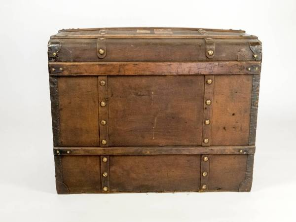 Early 20th Century Travel Chest 1stdibs
