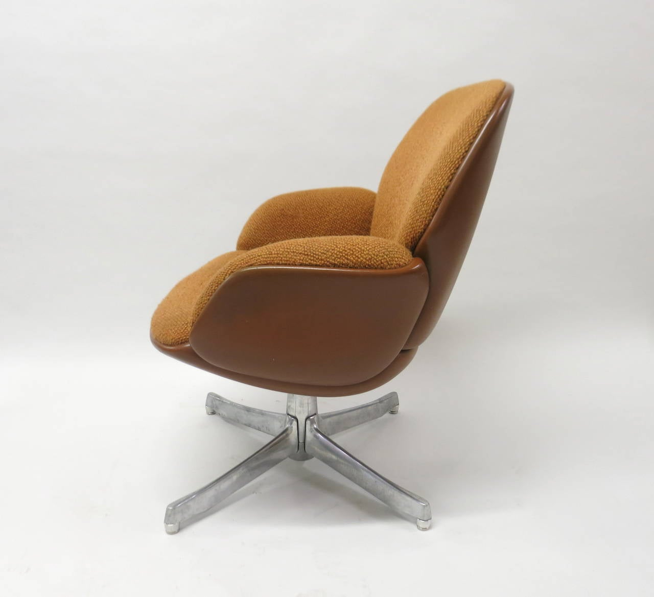 steelcase sofa platner corner uk fast delivery pair of chairs by warren for usa circa