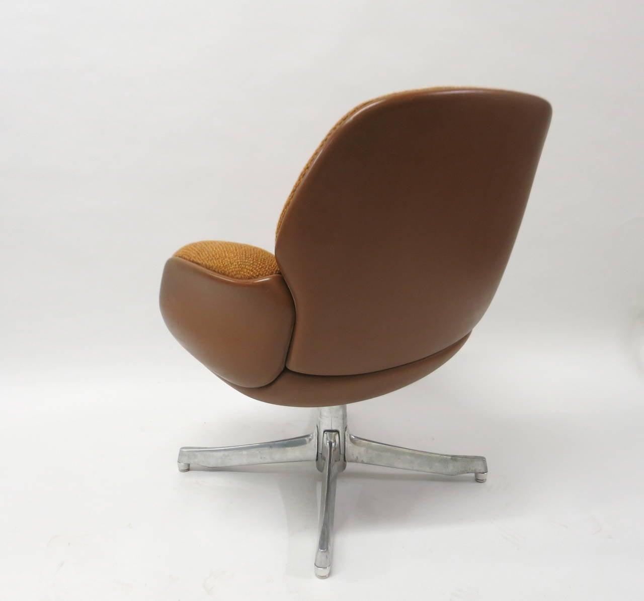 steelcase sofa platner helmond sport telstar sofascore pair of chairs by warren for usa circa