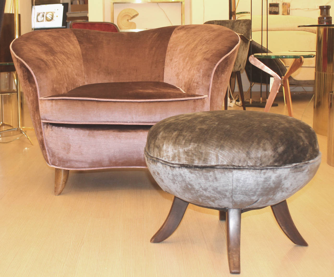 Big Comfortable Chairs Pair Of Large Comfortable Lounge Chairs With Ottoman At