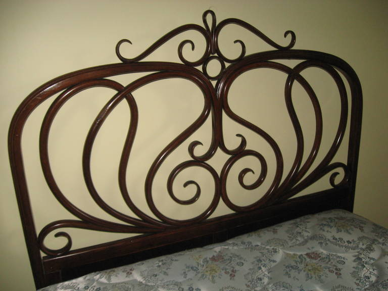 Thonet 19th Century Bed At 1stdibs