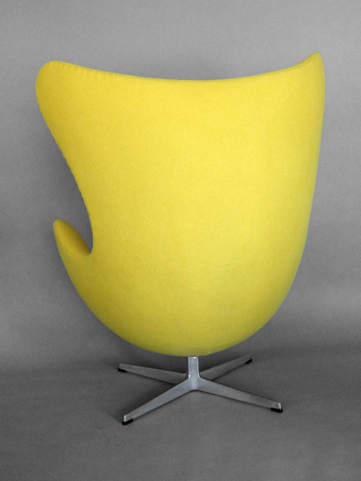 Yellow Egg Chair Properly Restored Arne Jacobsen Egg Chair For Sale At 1stdibs