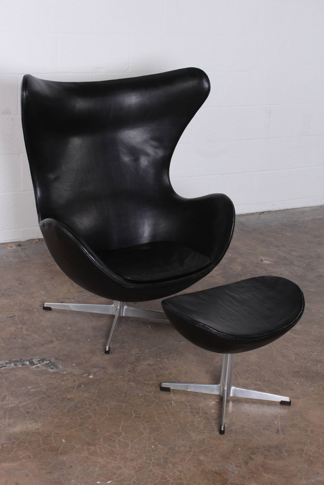 Chair Egg Egg Chair And Ottoman By Arne Jacobsen In Original Leather