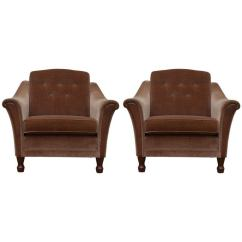 Bennett Leather Sofa Sofascore Tottenham Vs Chelsea Vintage Tailored Mohair Velvet Chairs With Flared Arms And ...