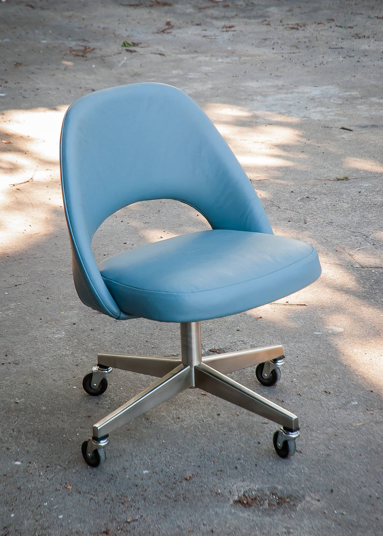 desk chair with wheels french throne vintage saarinen leather casters at 1stdibs