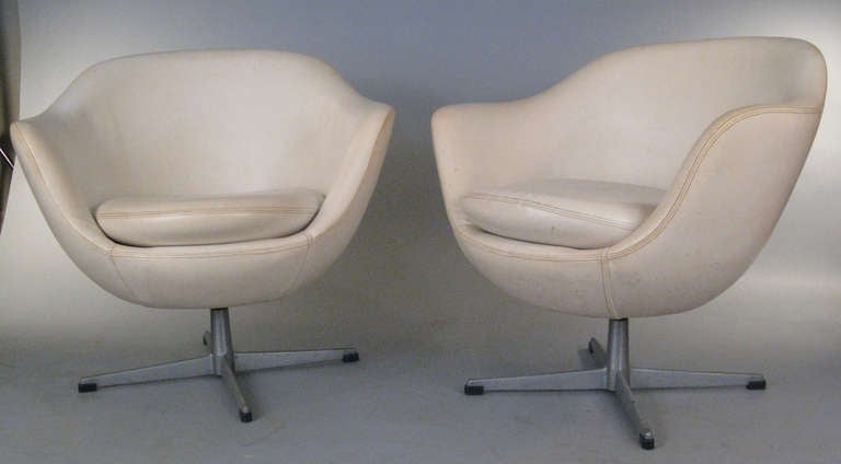 Pair of Vintage Swivel Lounge Chairs by Overman at 1stdibs