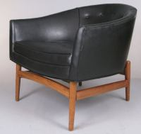 Pair of Modern Curved Back Lounge Chairs at 1stdibs