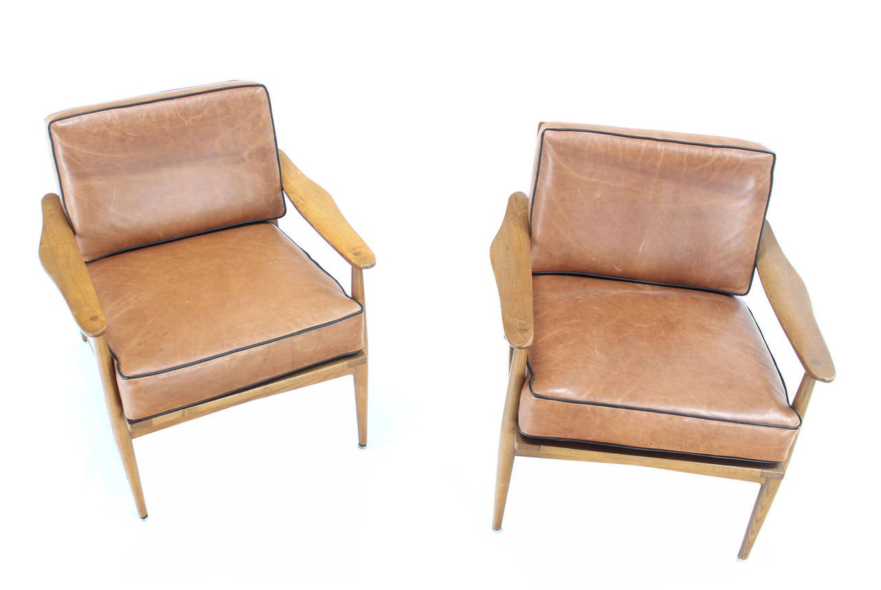 Mid Century Modern Lounge Chairs Pair Of Danish Mid Century Modern Leather Upholstery