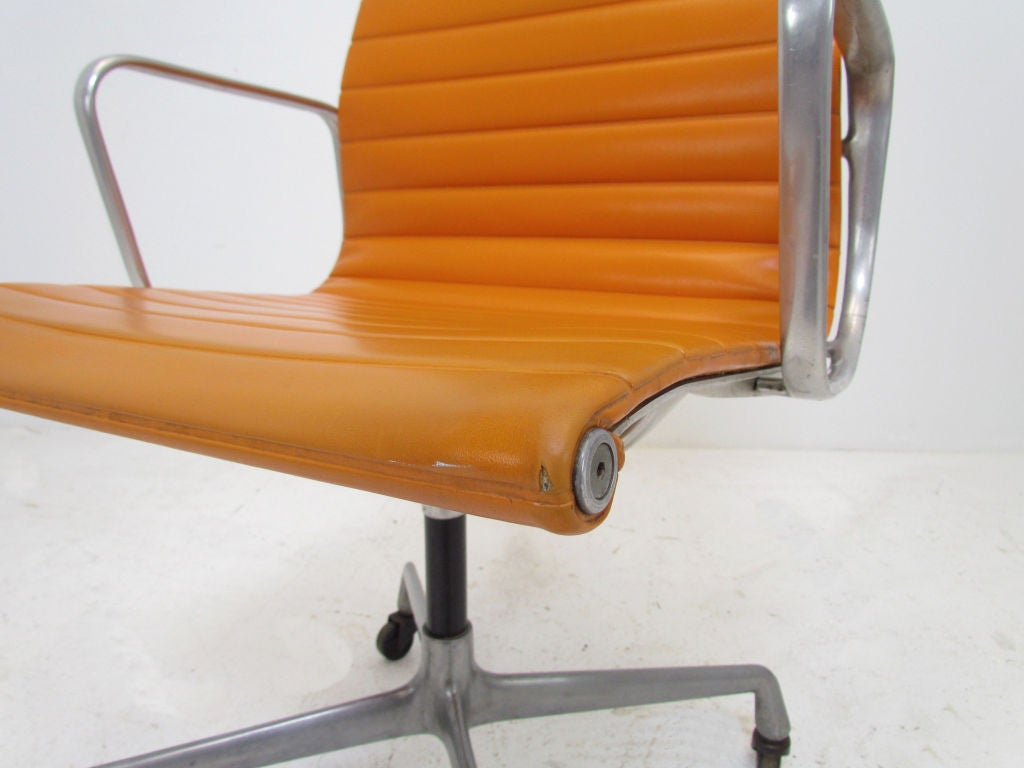 hair on hide office chair green armchair covers vintage aluminum group eames management for herman
