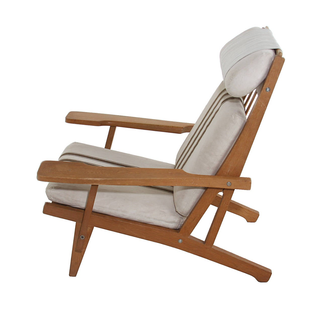 Wenger Chairs Pair Of Hans Wegner Ge375 Oak And Fabric Lounge Chairs At