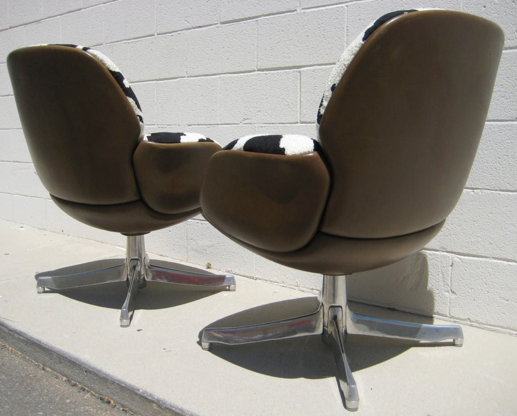 steelcase sofa platner most comfortable convertible bed a pair of vintage warren for armchairs c