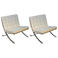 Mies Van Der Rohe Barcelona Chair Studded Accent For Knoll Chairs At 1stdibs