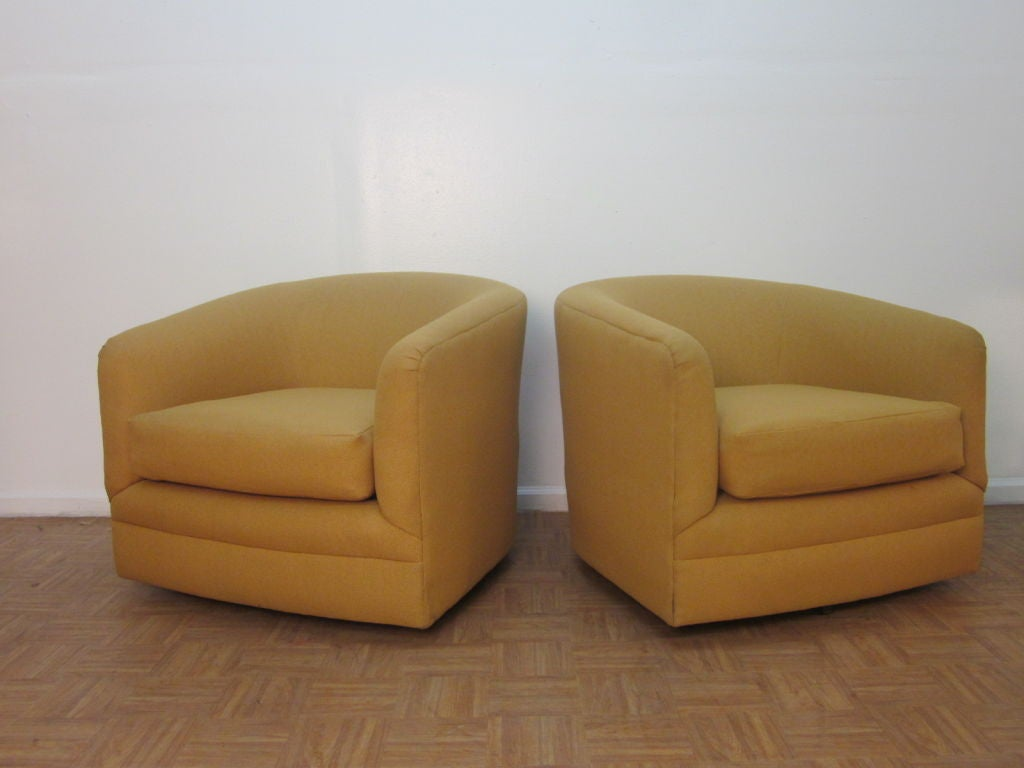 Barrel Swivel Chair Pair Of Upholstered Barrel Back Swivel Chairs At 1stdibs