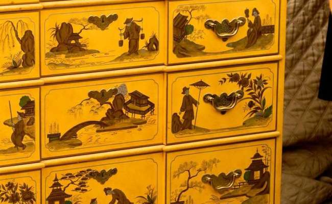 Gold Chinoiserie Chest By Baker At 1stdibs