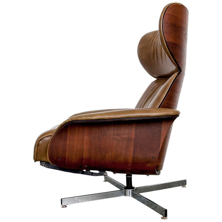 Danish Leather and Bentwood Reclining Lounge Chair by