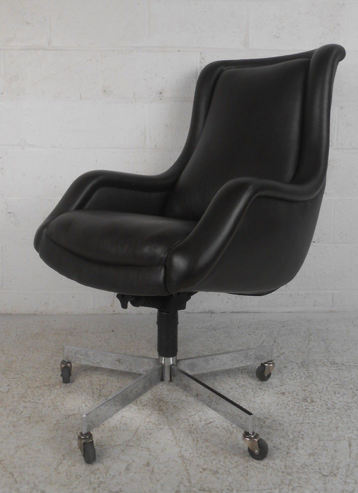 Leather Conference Room Chairs Leather Conference Room Chair At 1stdibs