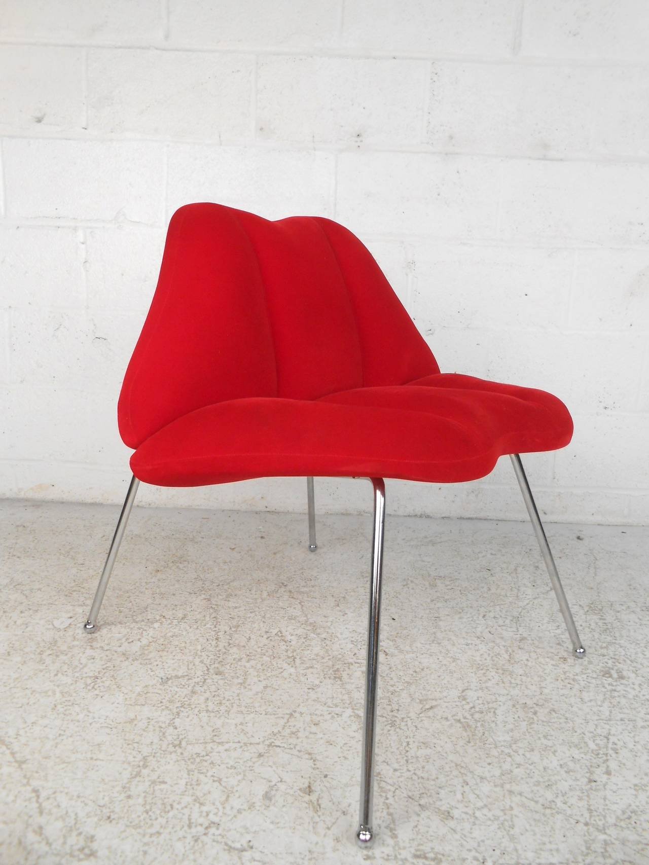 MidCentury Modern Style Lips Chairs at 1stdibs