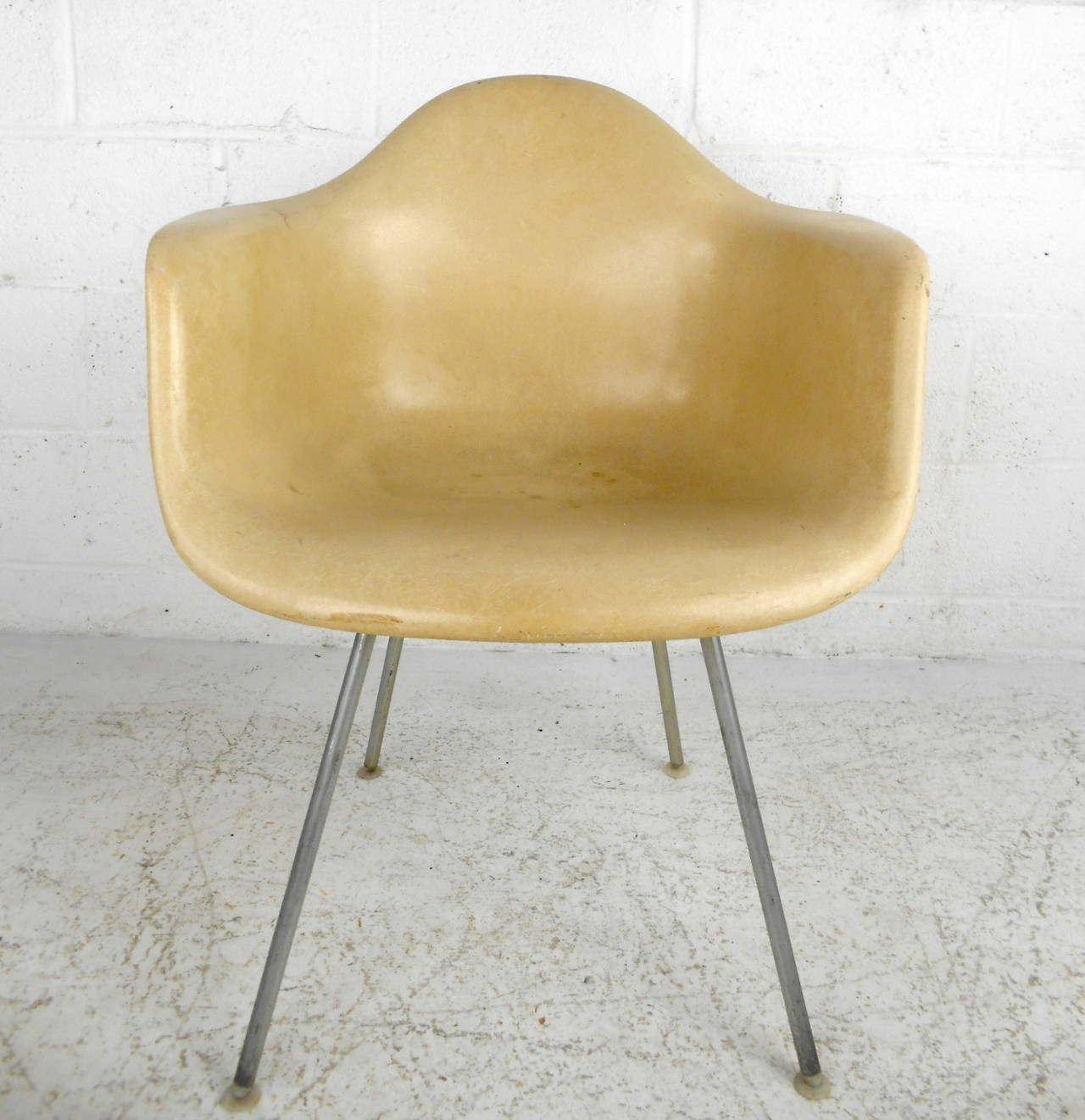 eames chair herman miller zero gravity lounge mid century modern fiberglass shell by for this was designed charles and ray