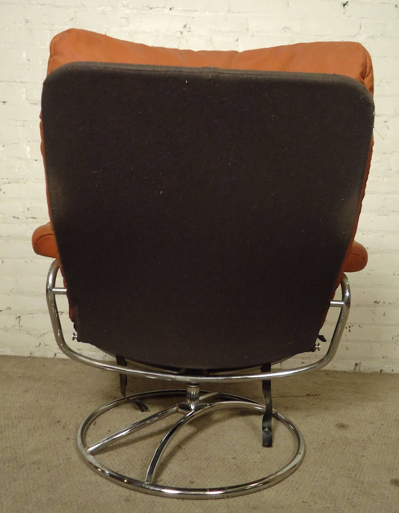 stressless chair similar baby shower chairs for rent mid century reclining and ottoman by ekornes