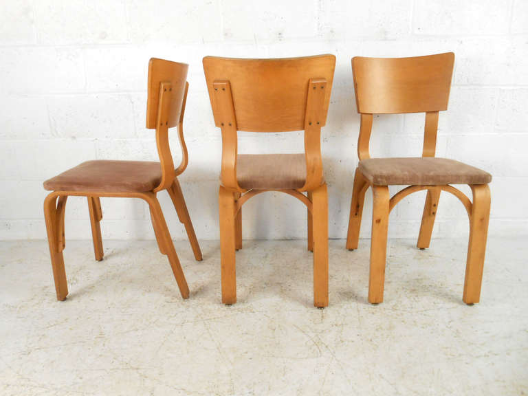 bentwood dining chair wheelchair door set of mid century modern chairs by thonet at 1stdibs american for sale