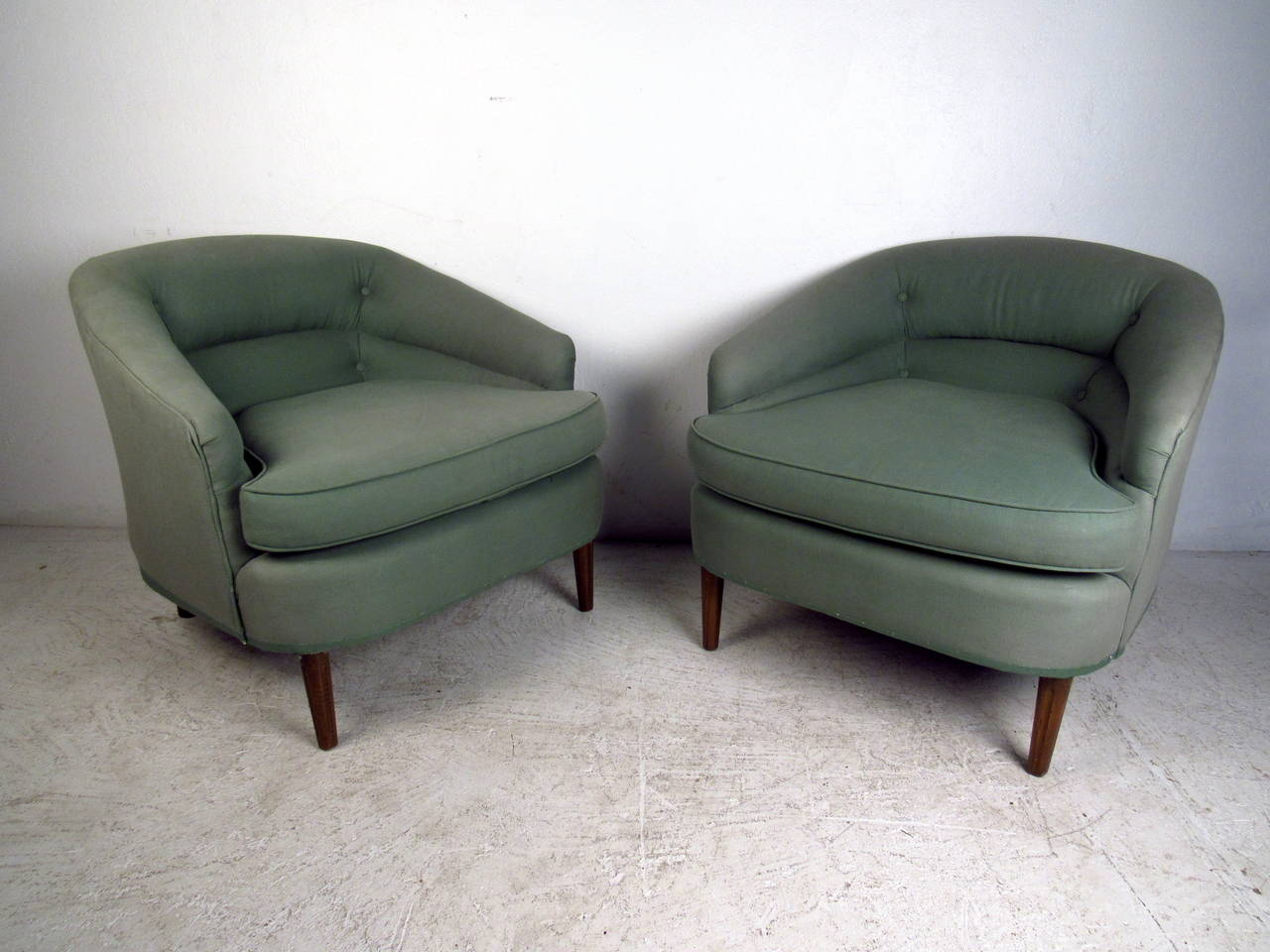 Mid Century Upholstered Chair Pair Of Mid Century Modern Upholstered Lounge Chairs At