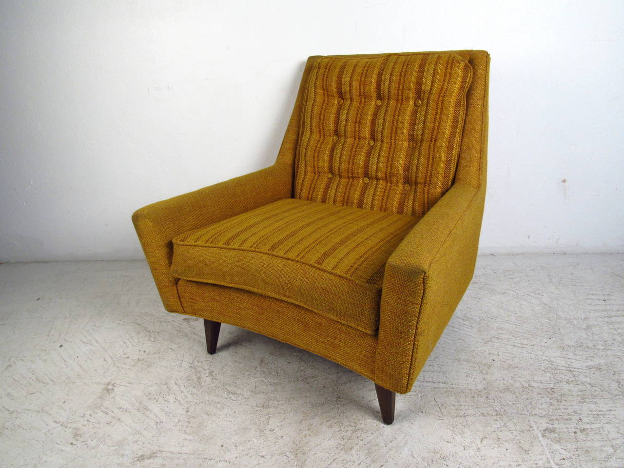 Mid Century Upholstered Chair Mid Century Modern Upholstered Lounge Chair With Tufted