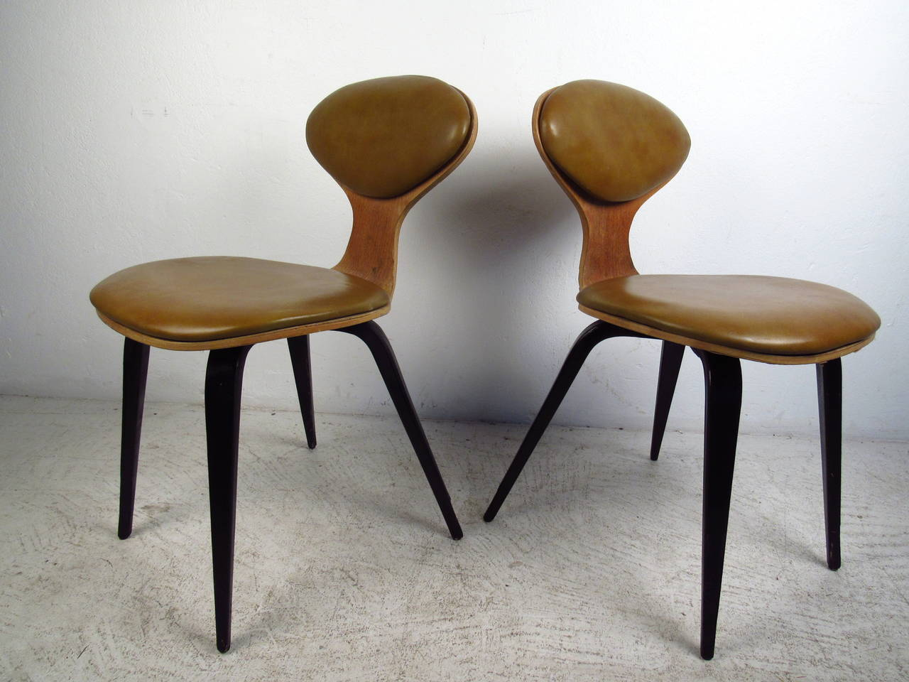 Bent Wood Chairs Pair Of Mid Century Modern Bentwood Chairs In The Style Of