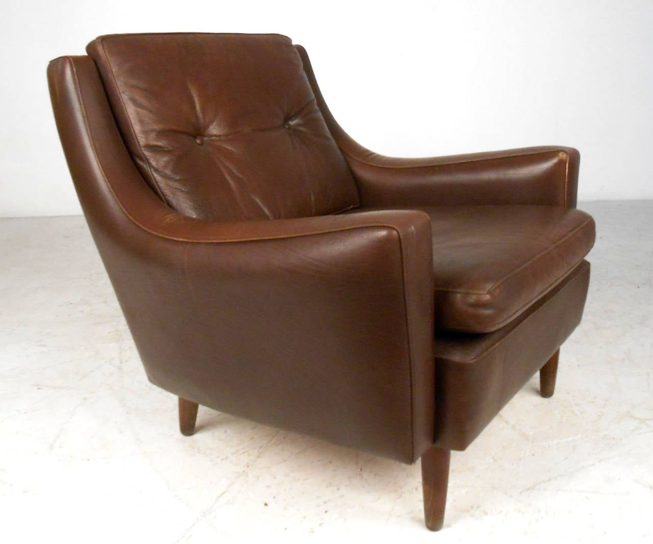 Mid Century Club Chair Mid Century Modern Tufted Brown Leather Club Chair At 1stdibs