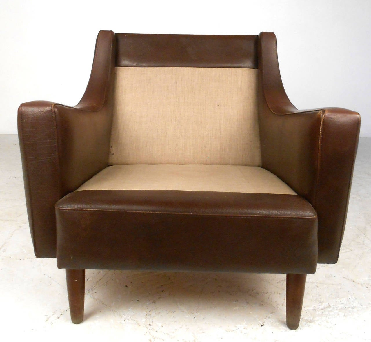 Modern Club Chairs Mid Century Modern Tufted Brown Leather Club Chair At 1stdibs