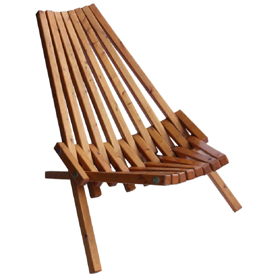 MidCentury Wood Folding Lounge Chair For Sale at 1stdibs