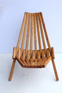 Mid-Century Wood Folding Lounge Chair For Sale at 1stdibs