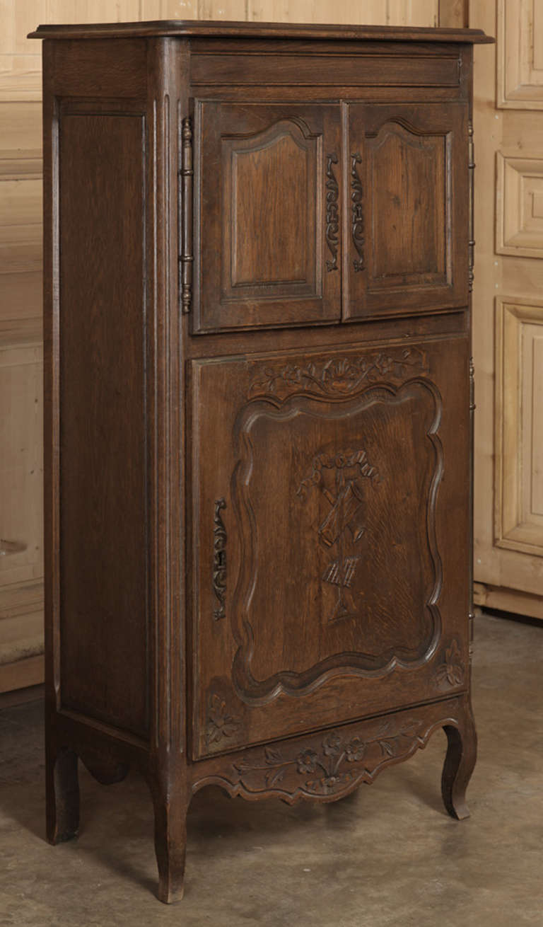 Vintage Country French Cabinet at 1stdibs
