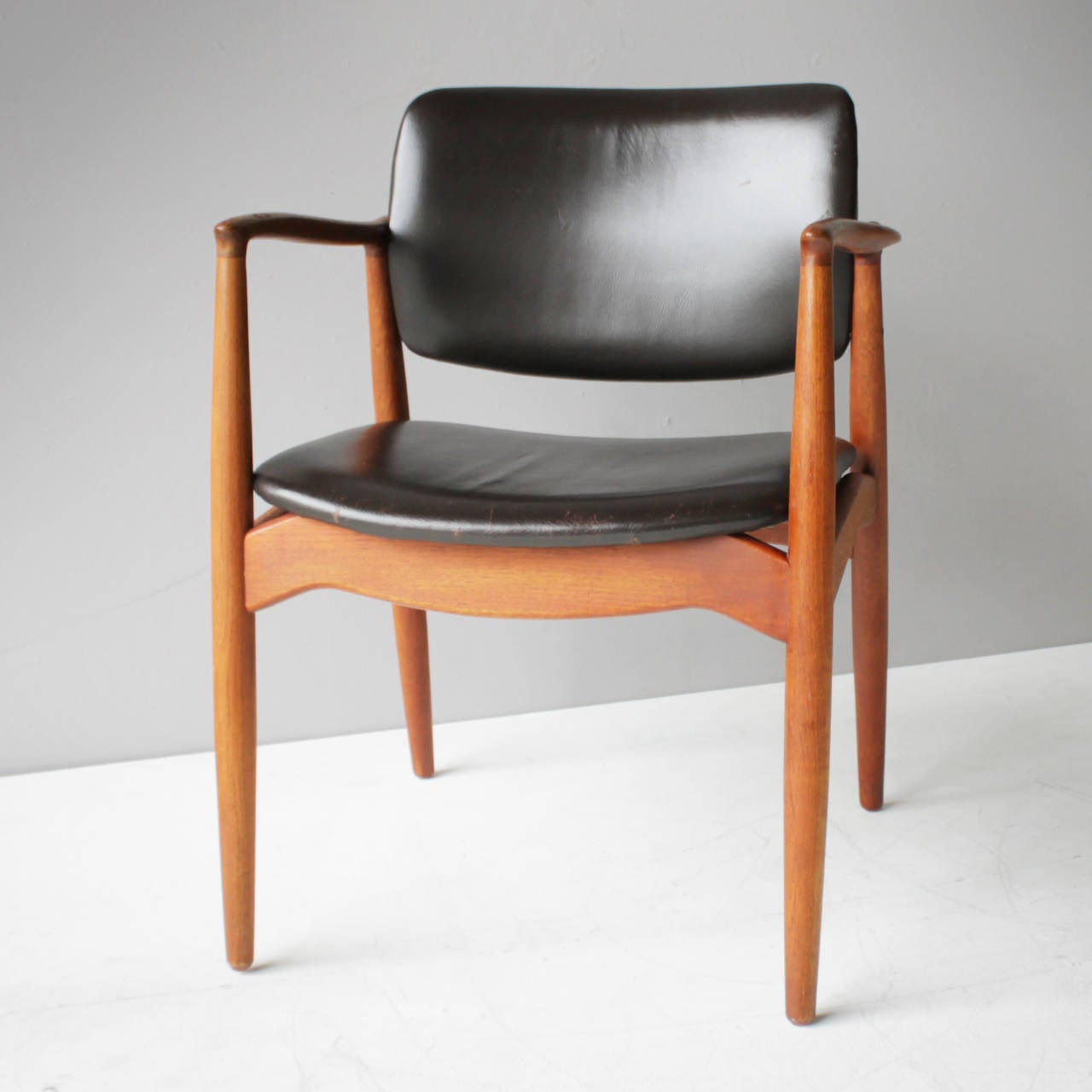 erik buck chairs victorian style chair covers teak and leather by eric for Ø mobler denmark