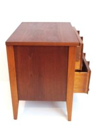 1950s American Mid-Century Modern Pair of Walnut ...