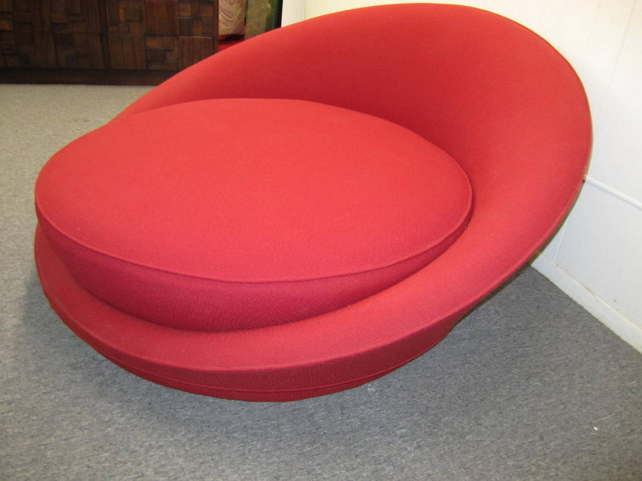 Fabulous Circular Round Lounge Chair by Milo Baughman Mid