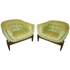 3 Legged Chair Round Swivel Lounge Lovely Pair Of Mid Century Modern Tufted For Sale