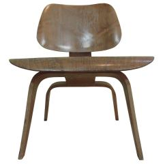 Eames Lounge Chair For Sale Accent Under 100 Dollars Lcw Molded Plywood Evans At 1stdibs