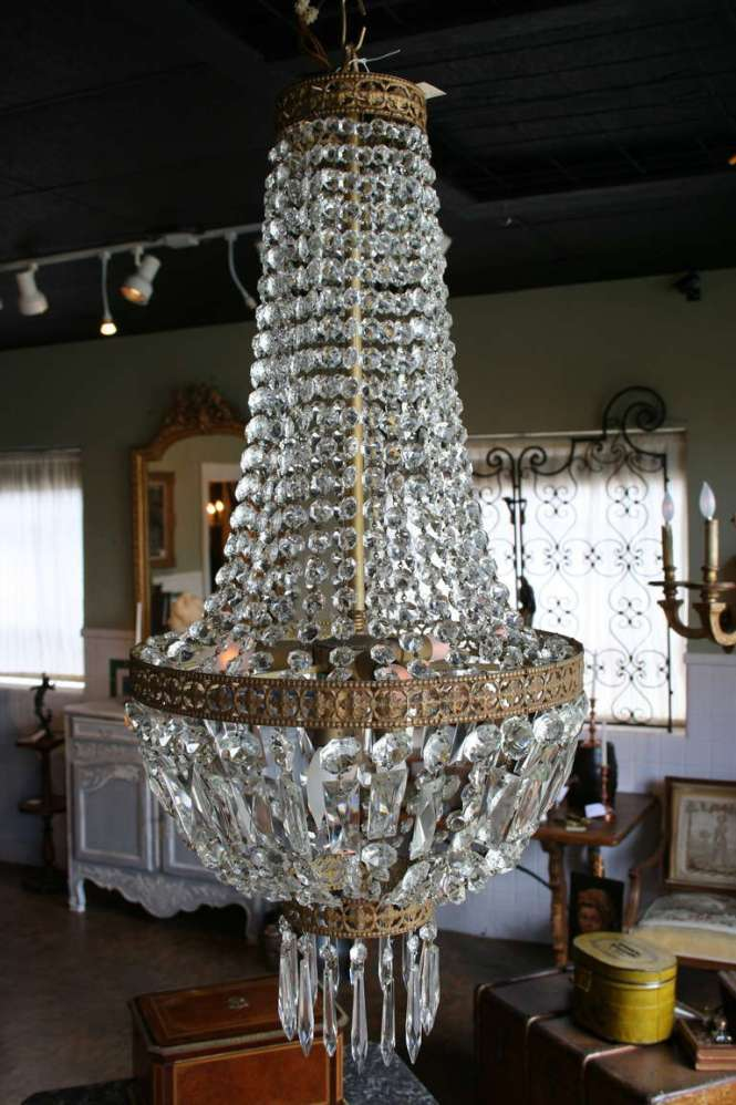 19th Century Regency Sac A Perles Or Basket Crystal And Bronze Chandelier 3